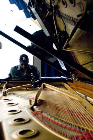 081-copia-pianista